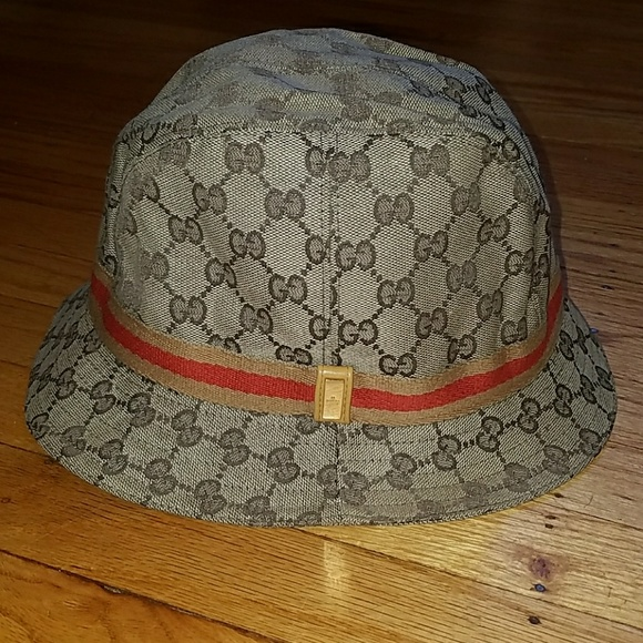 a00094712e2 Brown   Tan Gucci bucket hat. M 5a4693593b1608091011e723